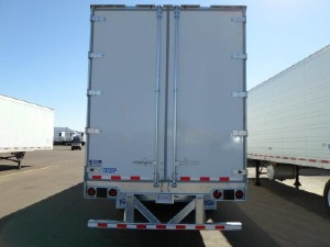 US Trailer Rental Sales Lease and Storage Buys Rents and Repairs All Commercial Trailers Reefers Flatbeds and Dry Vans image_20171206_043853_133